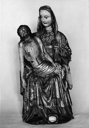 groupe sculpté : Vierge de Pitié, bois polychrome, fin du 15e siècle