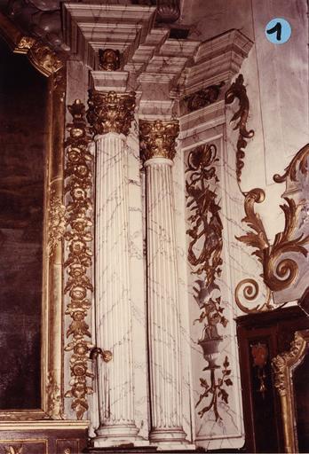 retable du maître-autel, détail des colonnes