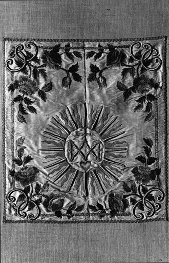 voile de calice, drap d'argent, soie et fils d'or, 17e siècle