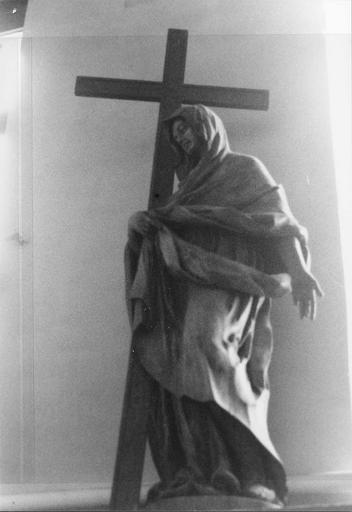 statue : Allégorie de la Foi, avec la croix, 18e siècle