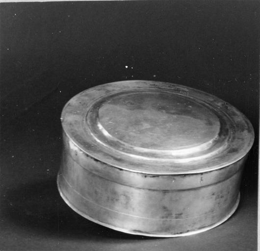 boîte pour le pain de la communion du culte protestant, argent, 1676