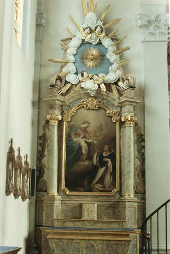 autel et retable latéral gauche, tableau : Le Rosaire, 19e siècle, après restauration