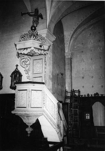 chaire à prêcher, bois polychrome, 18e siècle