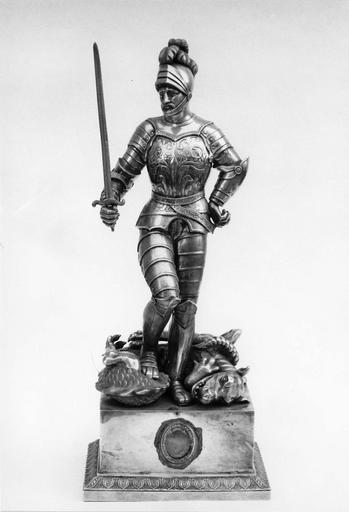 statue-reliquaire de saint Georges et socle, métal argenté, 19e siècle