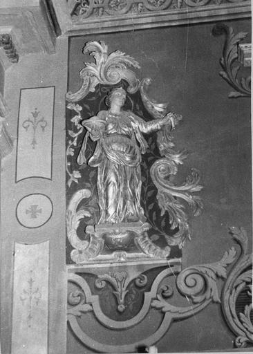 statue : Sainte Agathe, bois polychrome et doré, 18e siècle