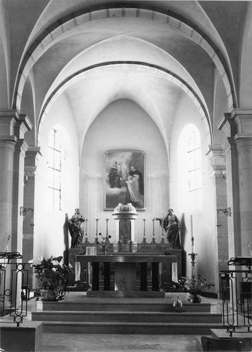 autel et vue d'ensemble du choeur, 19e siècle