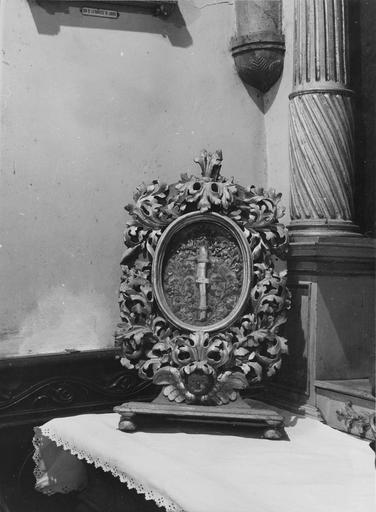 reliquaire, bois sculpté et doré, 18e siècle