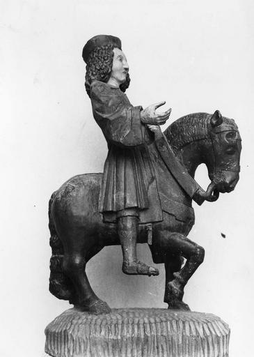 statue équestre : Saint Hubert, bois polychrome, 16e siècle, avant restauration