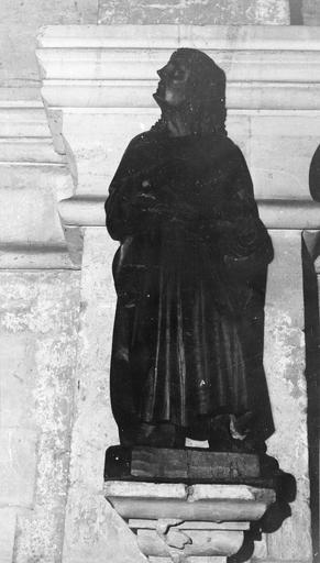 statue : Saint Jean l'Evangéliste, bois, 15e siècle, après restauration
