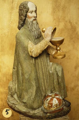 statuette : roi mage du groupe de L'Adoration des mages, bois polychrome, 16e siècle, en cours de restauration