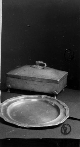 boîte à hosties, plat rond (en étain)