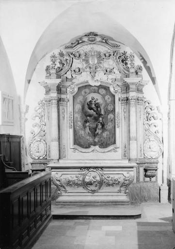 Retable latéral nord et tableau de la Vierge à l'Enfant