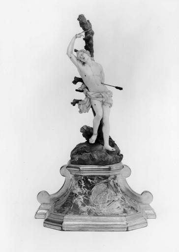 statuette : Saint Sébastien, boîte