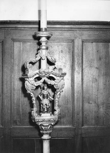 porte-cierge de procession avec statuette : saint Gengoul, bois sculpté et doré, 18e siècle