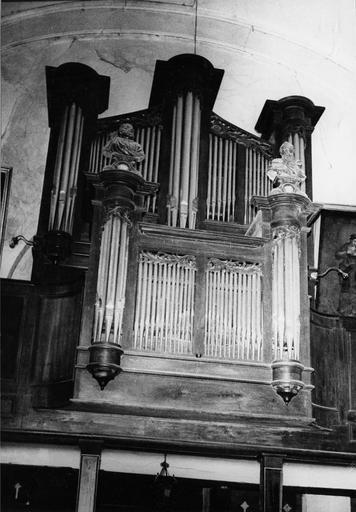 buffet d'orgues avec deux bustes-reliquaires