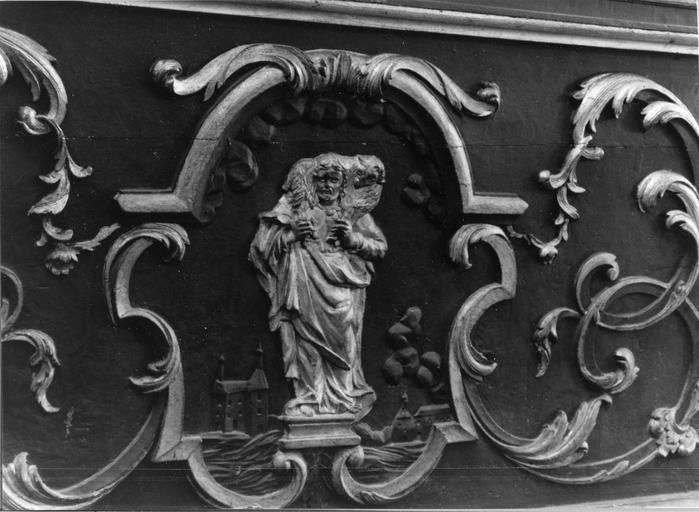 détail du devant d'autel