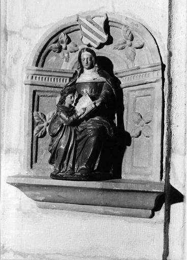 groupe sculpté : Sainte Anne et la Vierge, bois peint, 17e siècle
