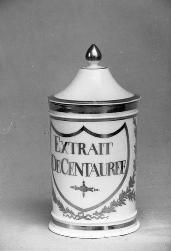 pot à pharmacie : Extrait de centauree