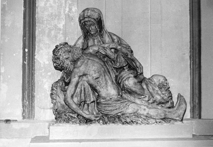 groupe sculpté (demi-nature) : Vierge de Pitié, pierre, 16e siècle