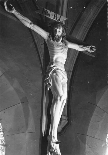 statue : Christ en croix, bois sculpté, 17e siècle