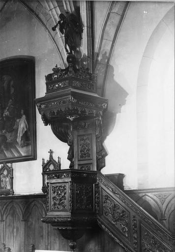 chaire à prêcher, bois sculpté, 17e siècle