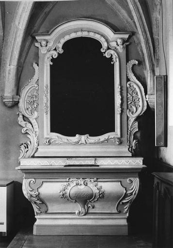 autel et retable secondaire