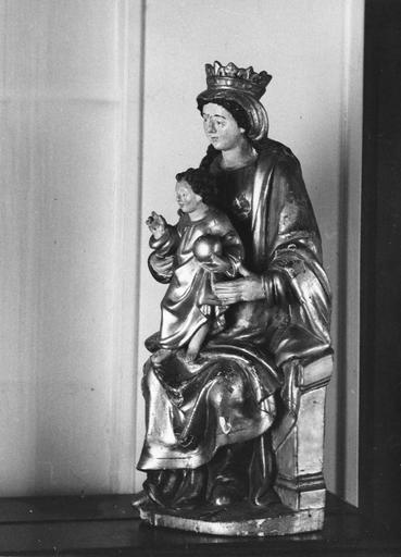 statue : Vierge à l'Enfant, vue de profil