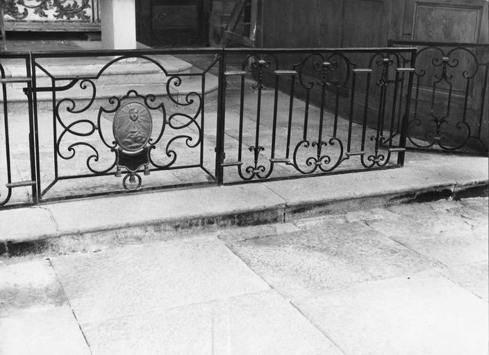 clôture de choeur ou grille de communion, fer forgé, 18e siècle