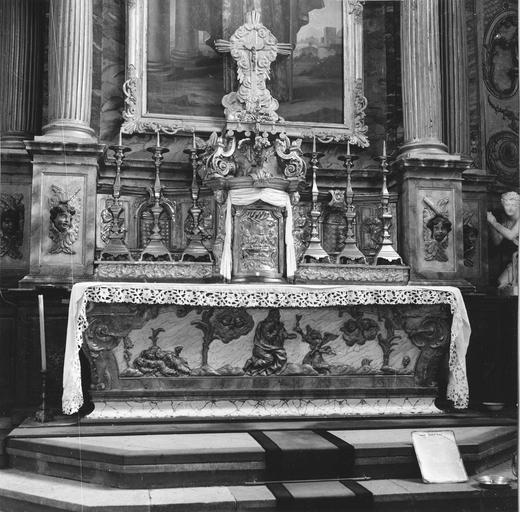 autel principal, tabernacle et chandeliers, 18e siècle