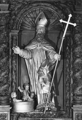 Statue du retable latéral droit : Saint Nicolas