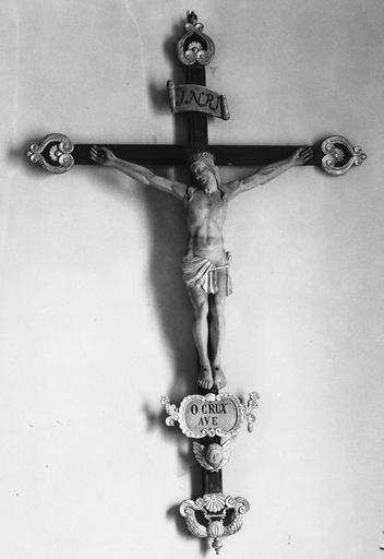 statuette (crucifix)  : Christ en croix, 18e ou 19e siècle
