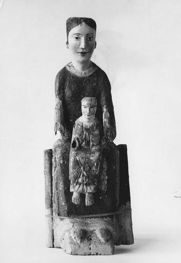 statue : Vierge de Majesté, bois polychrome