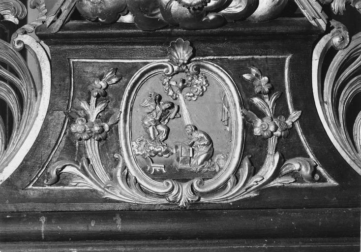 détail de l'autel, scène de l'Annonciation