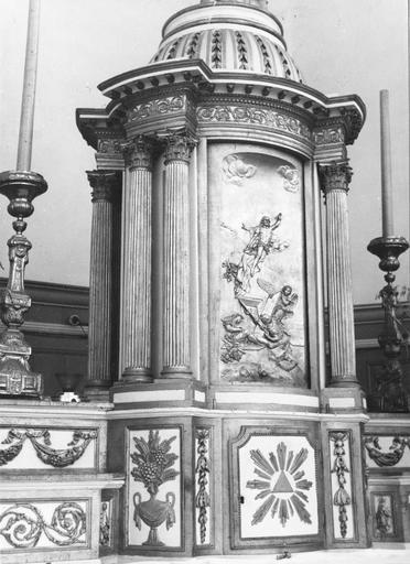détail de la porte du tabernacle