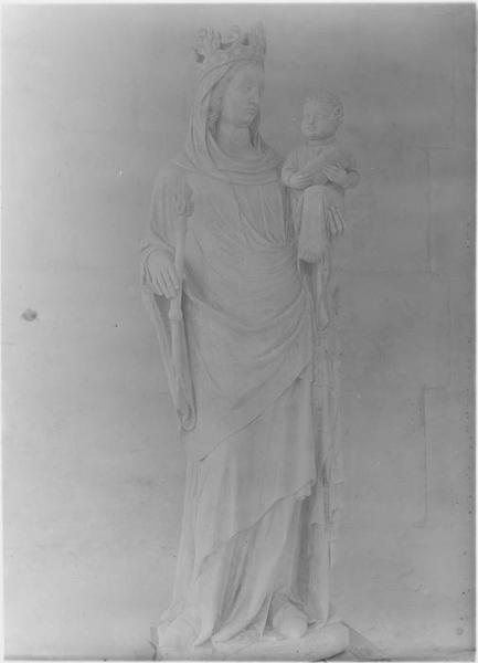 Statue: Vierge à l'enfant, vue générale