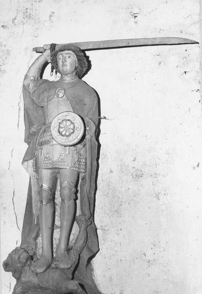 Groupe sculpté : Saint Michel