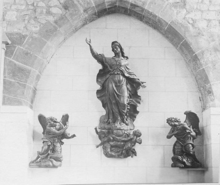 Groupe sculpté : l'Assomption de la Vierge