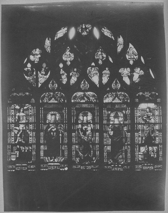 Verrière de la Vierge (baie 16)