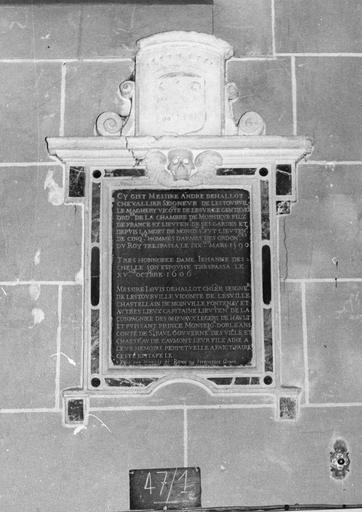 Dalle funéraire d' André de Hallot (mort en 1590) et de Jeanne Deschelle son épouse (morte en 1606)