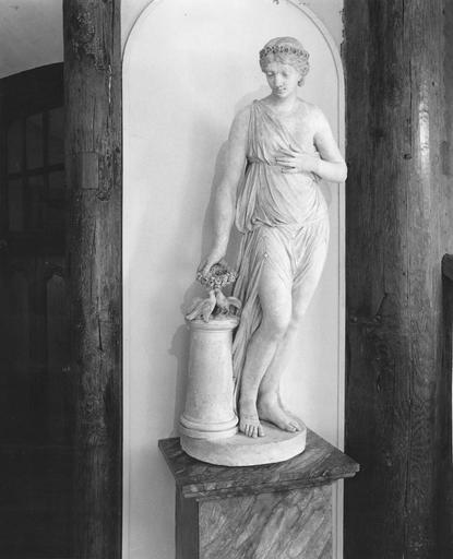 Statue : l' Hymen, plâtre, sur un socle