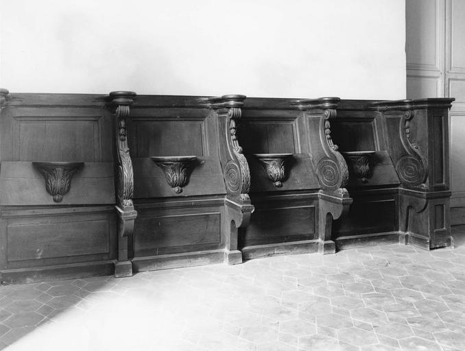 stalles, provenant de la cathédrale, bois sculpté, 1787 - 1789