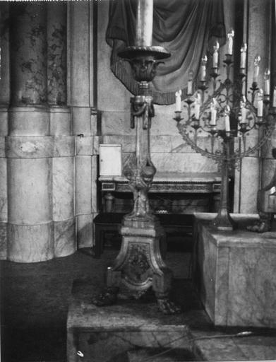 Chandelier du maître-autel, bronze doré ; lustre en cuivre doré