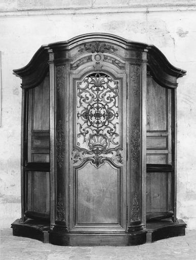 Confessionnal (n°1), bois sculpté