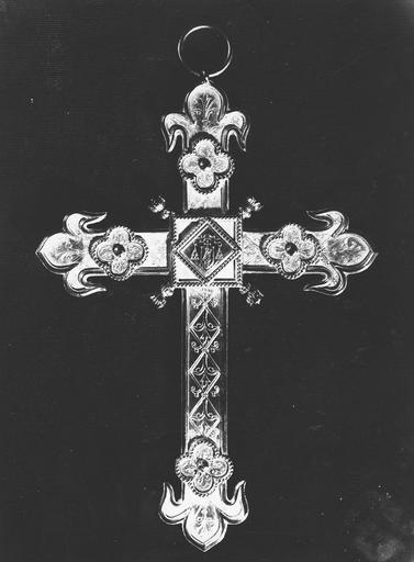 Croix pectorale, du cardinal Pie, revers
