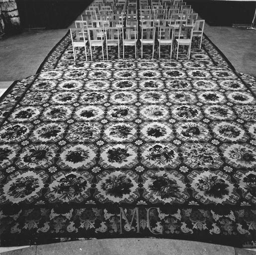 Tapis de sol, au point de tapisserie, laine