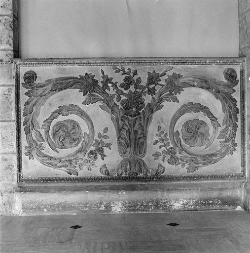 Bas-relief, rinceaux de feuilles d'acanthe, pierre tendre, 1767 - 1769