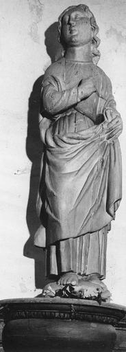 Statue : saint Jean, bois