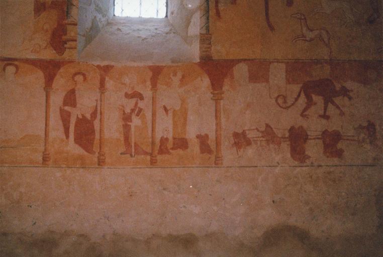 Peintures murales : saints et personnages sous des arcatures