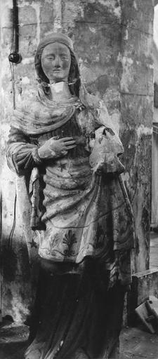 Statue : Vierge à l'Enfant, pierre