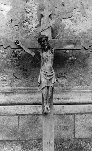 Croix : Christ en croix, bois